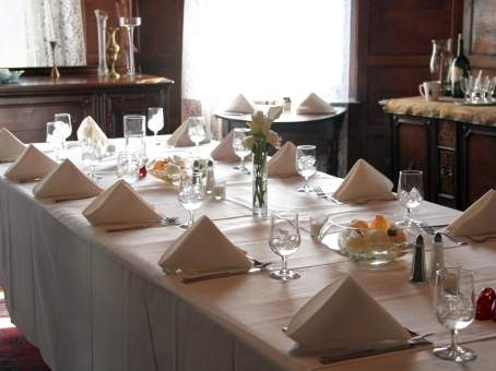 Weddings at Lehmann House Table Set for the Bridal Party
